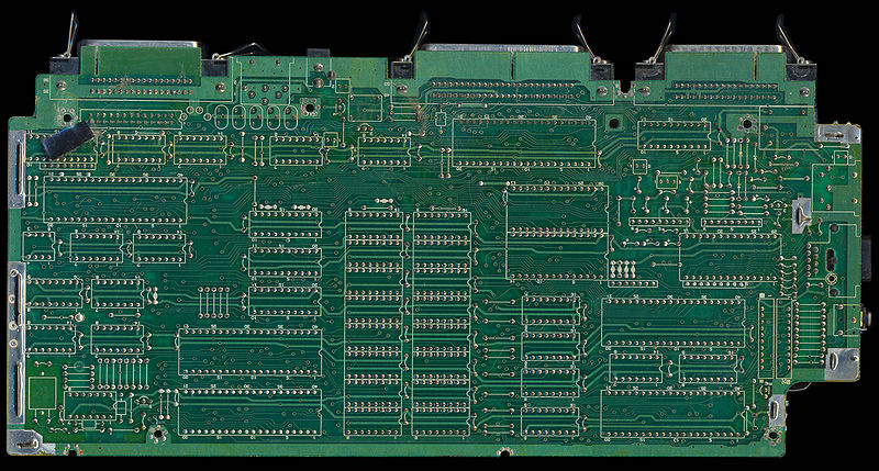 File:CPC6128 PCB Bottom (Z70210 MC0012A).jpg