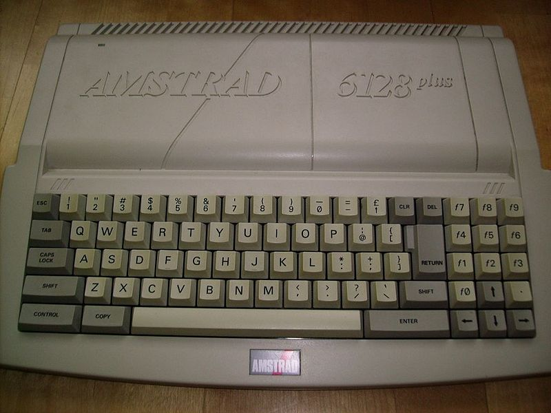 Amiga/st vs Archimede - Page 4 800px-Amstrad_6128_plus_museum_ebenthal